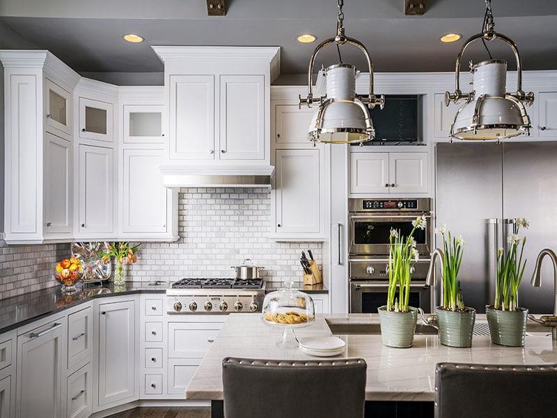 Tủ bếp tân cổ điển đẹp đẹp mang lại không gian sang trọng, tinh tế. Phù hợp với ngôi nhà có phong cách Châu Âu