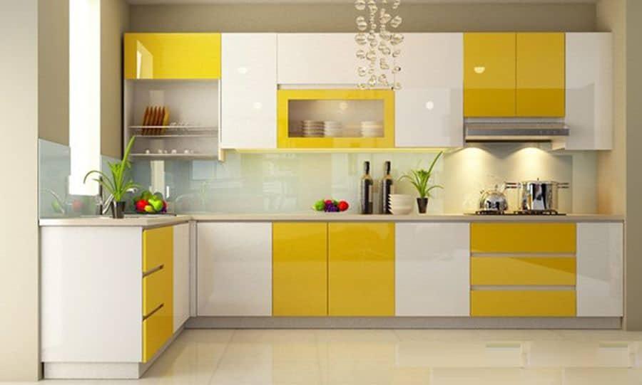 Kinh nghiệm làm tủ bếp cho ngôi nhà của bạn. Mẫu tủ bếp chữ L có gam màu vàng phủ hợp với gia chủ có mệnh kim