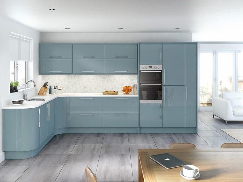 Kinh nghiệm làm tủ bếp cho ngôi nhà của bạn. Mẫu tủ bếp chữ L có màu xanh dương phù hợp với gia chủ mang mệnh thủy