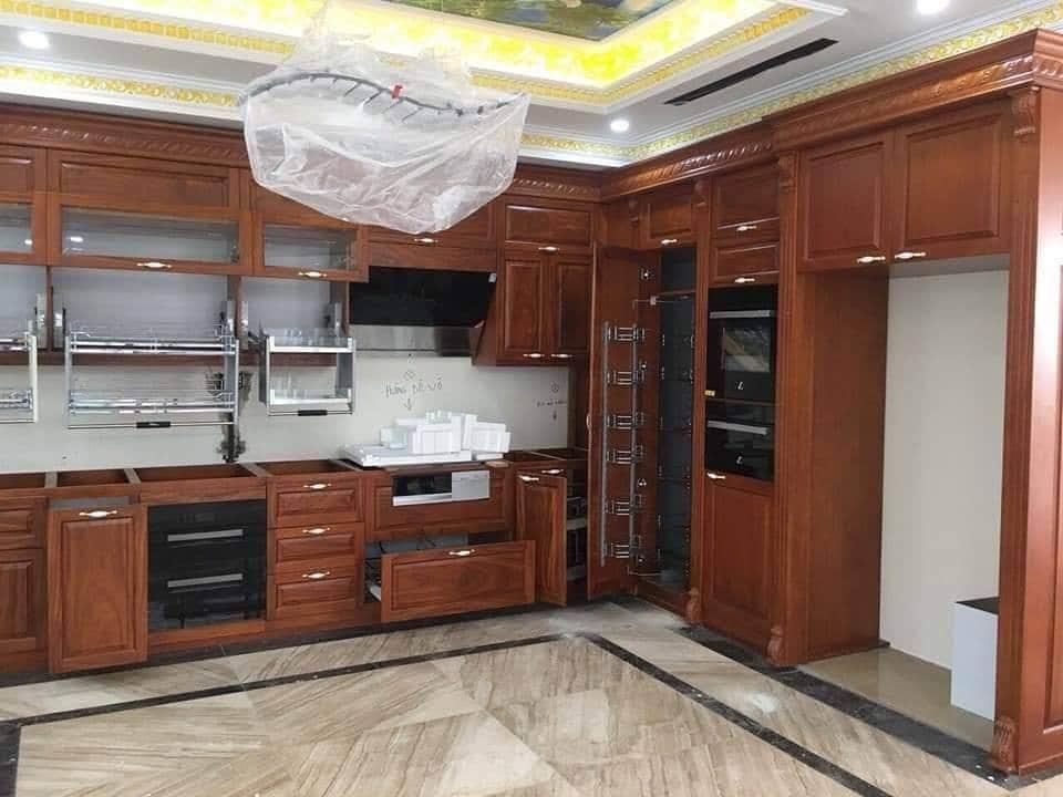 Tủ bếp xoan đào đẹp-ảnh chụp thực tế tại nhà của khách