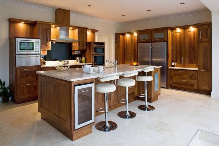 Kinh nghiệm làm tủ bếp cho ngôi nhà của bạn. Mẫu tủ bếp gỗ tự nhiên phù hợp với gia chủ mang mệnh hỏa