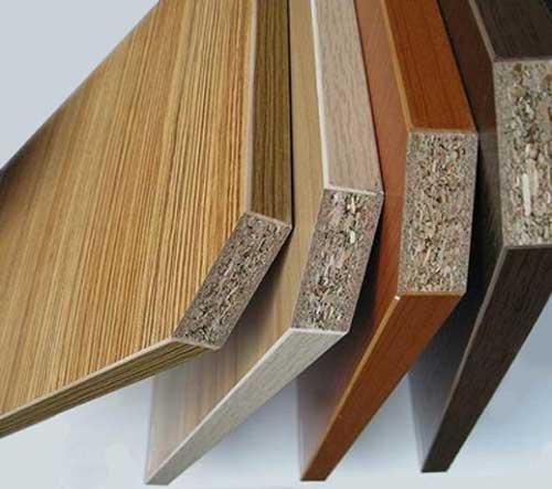 Kinh nghiệm làm tủ bếp cho ngôi nhà của bạn. Hình ảnh bản cắt mẫu gỗ công nghiệp để quý khách hàng thấy được rõ cấu tạo bên trong từ đó yên tâm lựa chọn chất liệu